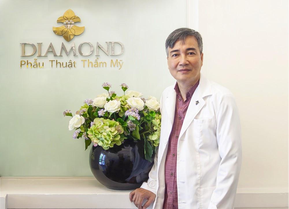 bác sĩ nâng mũi cấu trúc sụn sườn tự thân diamond